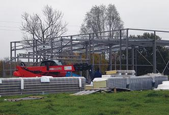 construction de bâtiment d'activité clos couvert